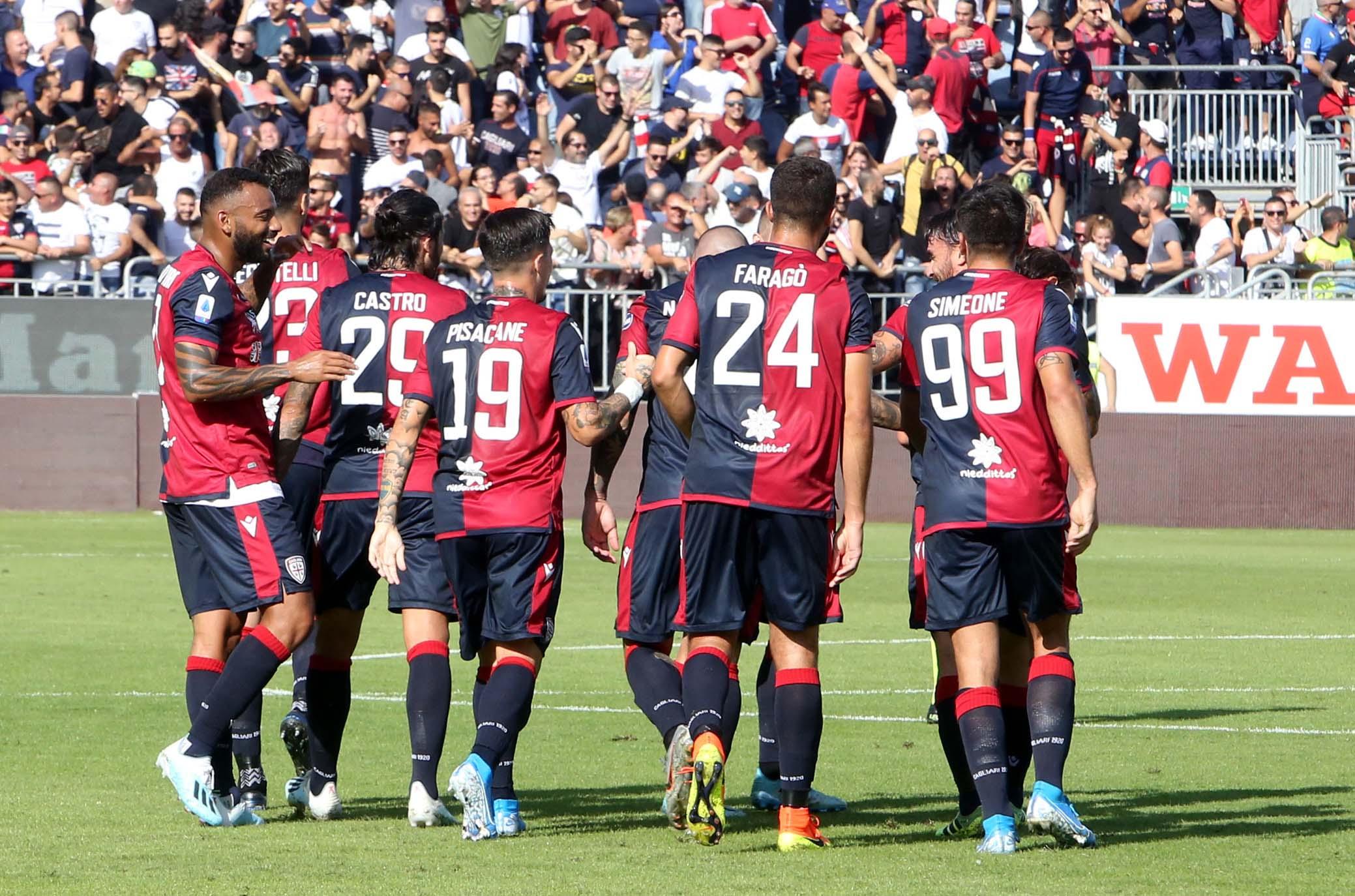 Cagliari, tre calciatori positivi al COVID-19: annullato il ritiro di Aritzo