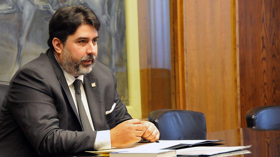 Sardegna, nuovo picco: +243 positivi e una vittima