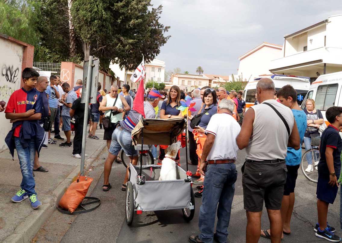 Oristano (OR) 31 08 2017 i tifosi aspettano invano l'inizio dell'amichevole tra il Cagliari  e il Tortolì . Ia partita non si giocherà perchè il campo non è agibile  . SILPRESS/ENRICOLOCCI